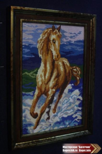 "Вышивка в багете ""Скачущая лошадь"""